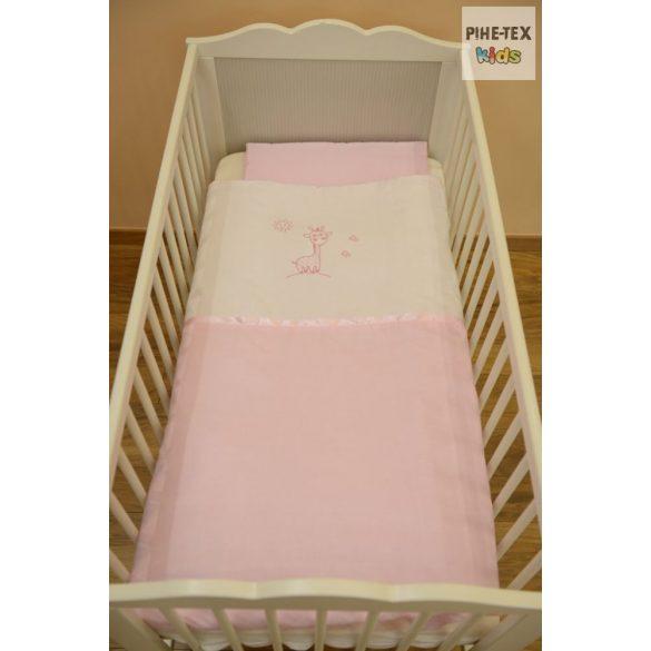 """Rózsaszín, """"hímzett zsiráfos"""" 2 részes babaágynemű szett (99)"""
