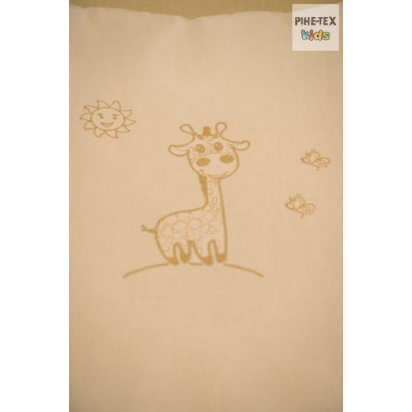 Vaníliaszín, hímzett zsiráfos fejvédő (98)