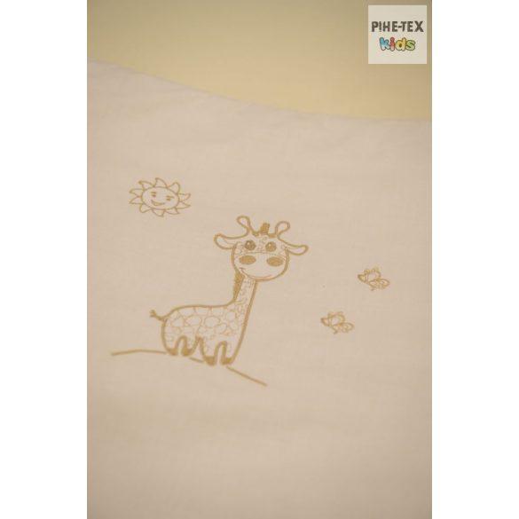 """Vaníliaszín, """"hímzett zsiráfos"""" 2 részes babaágynemű szett (98)"""