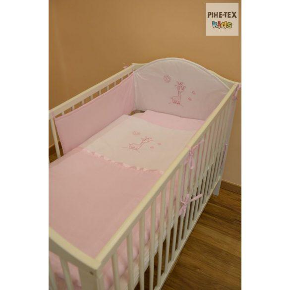 Rózsaszín, hímzett zsiráfos 3 részes babaágynemű szett (99)