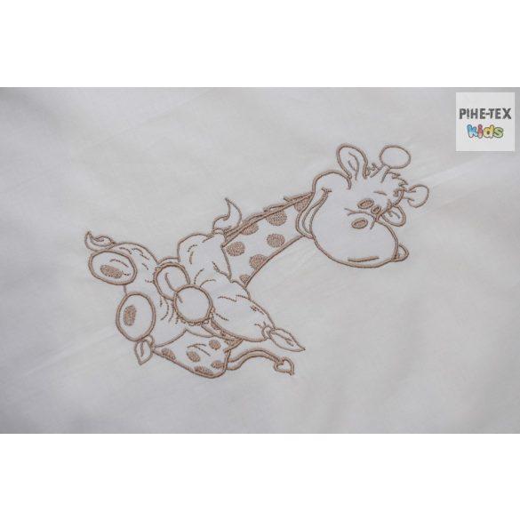 Vaníliaszín, hímzett 4 részes babaágynemű szett választható mintával (98)