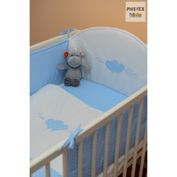 Babakék színű pöttyös hímzett I love baby feliratos szivecskékkel 3 részes babaágynemű garnitúra